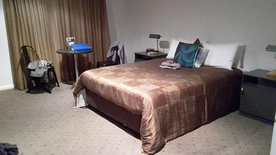 Coolamon, Australia: Spacious room
