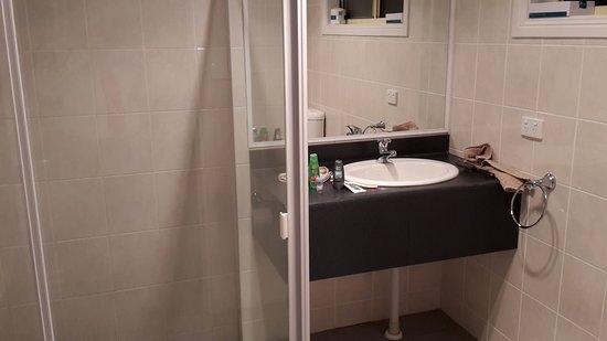 Coolamon, Australia: Bathroom