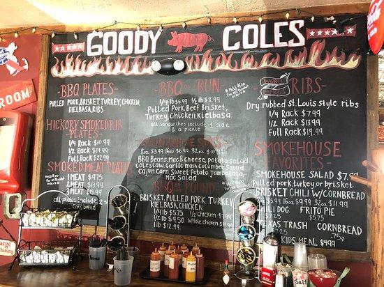 Brentwood, NH: Great menu - so many fantastic BBQ choices
