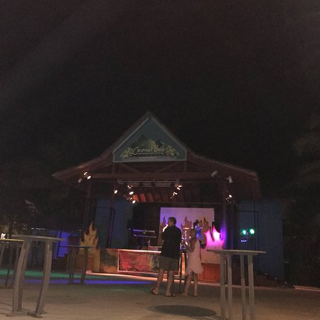 椰子湾海滩温泉度假全包酒店照片