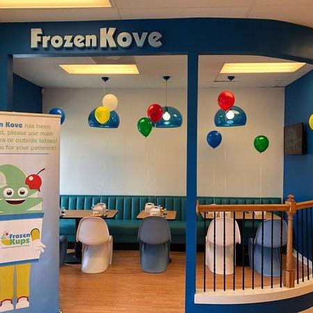 Harrisburg, NC: Frozen Kups
