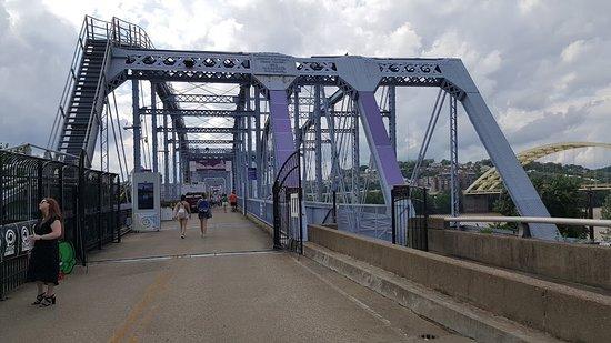 Newport Southbank Bridge a.k.a. Purple People Bridge ...