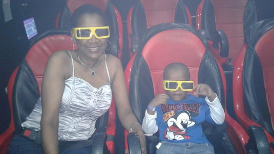 Portmore, Jamaica: Enjoyed the Simulator with my 4 year old son- Sept 2016