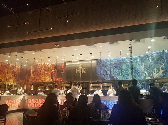 gordon ramsay hells kitchen inside the restaurant 2 - Hells Kitchen Las Vegas 2