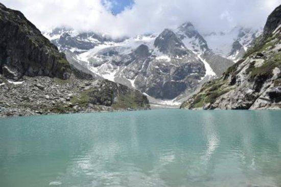 Wildfun Adventure Treks & Tours: Tulian lake in full glory.