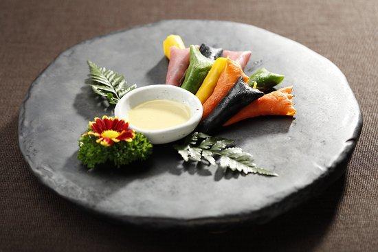 SUDAM Korean Traditional Food Restaurant: 자연식 구절말이 / natural roll with nine delicacies / 自然食九切巻き / 自然食卷九绝 / / Korean Traditional Food