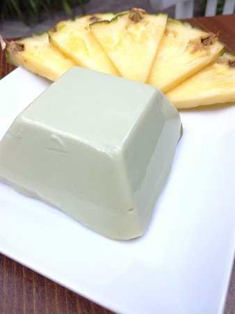Veselá Kozička: Macha puding s ananasem