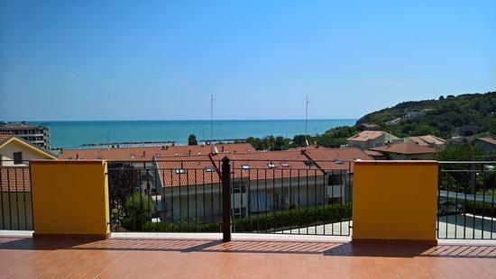 Agriturismo Marina: Panorama dalla terrazza di accesso alle stanze