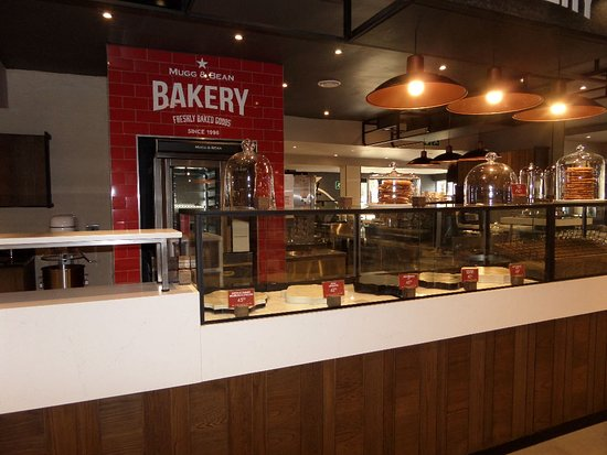 Mugg & Bean: Freshly baked scones, muffins and cakes