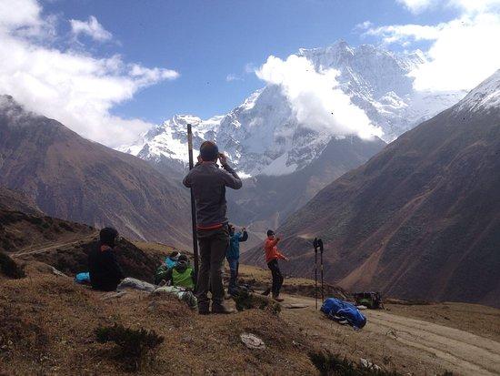 Himalayan Trail Finder Adventure Center: Manaslu Trekking