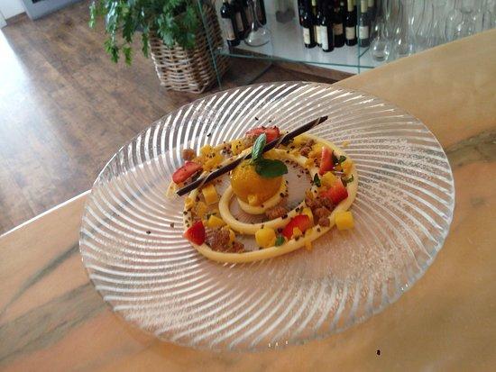 La Terrazza: sorbetto al mango con pezzetti di frutta fresca