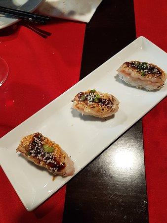Fuji: sushi de gamba flambeada
