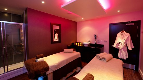 Durham, UK: Dual treatment room