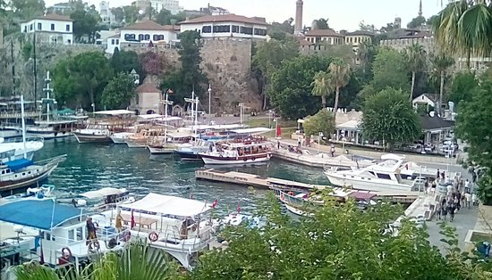 Puding Marina Residence: View of the Roman harbour from the small park opposite the hotel