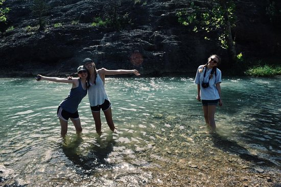 Turner Falls Park: Look at how clear the water is!