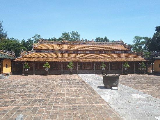 Foto de Imperial Tomb of Dong Khanh