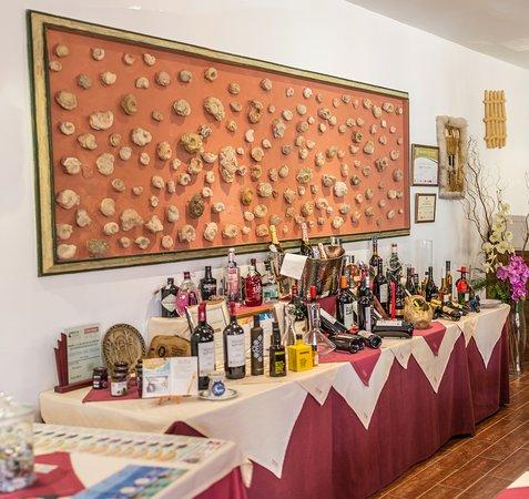 Huetor Tajar, Spania: Productos Granadinos