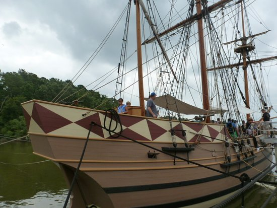 Jamestown Settlement: Replica of ships that carried settlers from England to Virginia
