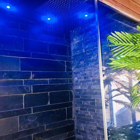 Sun & Spa: Ambiance loft décoration d'été