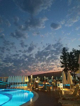 Foto de Azura Deluxe Resort & Spa