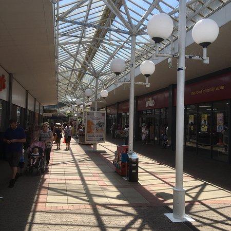 Kingswood, UK: Kings Chase Arcade