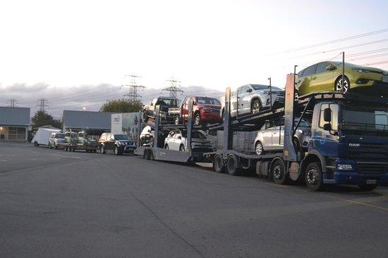Racecourse Hotel & Motor Lodge: For long long trucks also