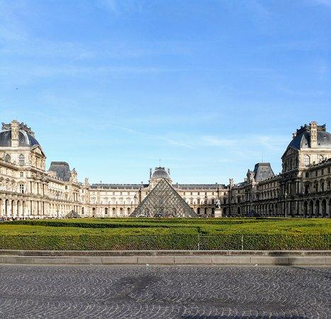 Louvres Photo