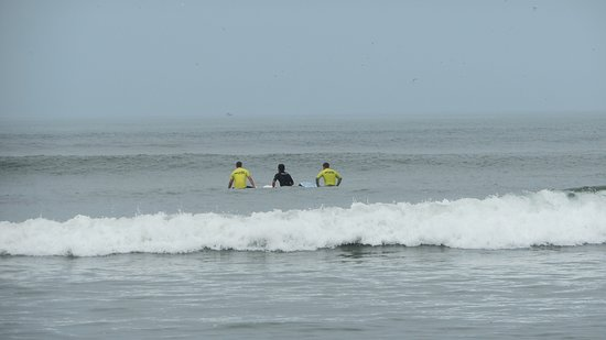 Onechako Surf School: waiting for the waves