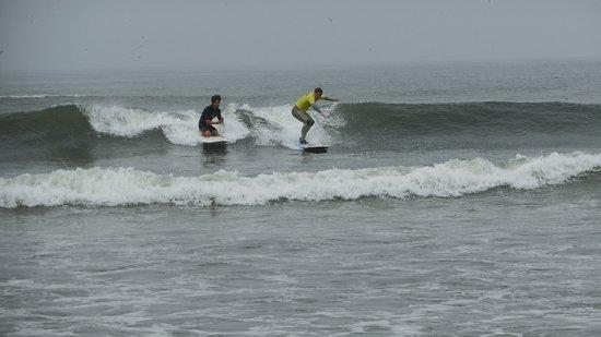 Onechako Surf School: another good wave