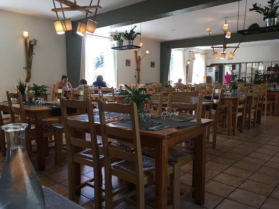 La Salvetat-sur-Agout, France: salle du restaurant