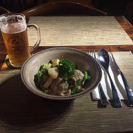 Odenwalder Restaurant Bar: IPA beer, Königsberger Klopse und Apfelstrudel!