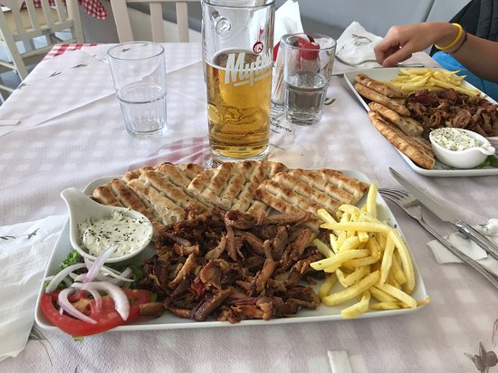 Thraka Grill House: Very good food. The best until now in my holiday in Kassiopi