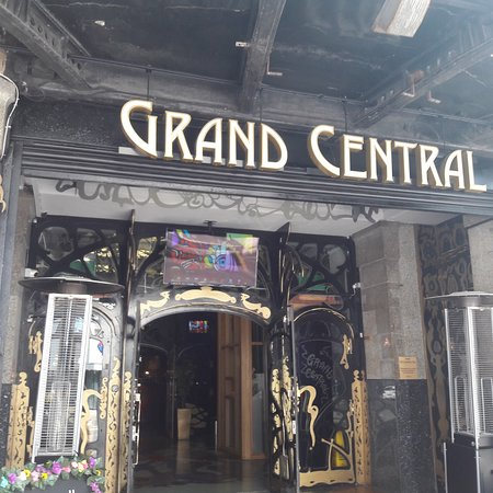 Grand Central Hall: Gaudiesque