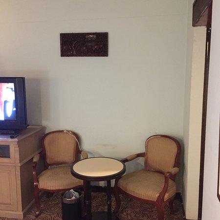 Amarin Nakorn Hotel: คุณภาพเกินราคา คืนละ 350 บาท ได้ขนาดนี้เลย