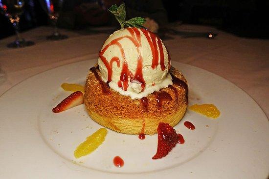 Mastro's Steakhouse: 甜點蛋糕好吃