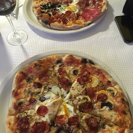 Pizzeria gato pardo张图片