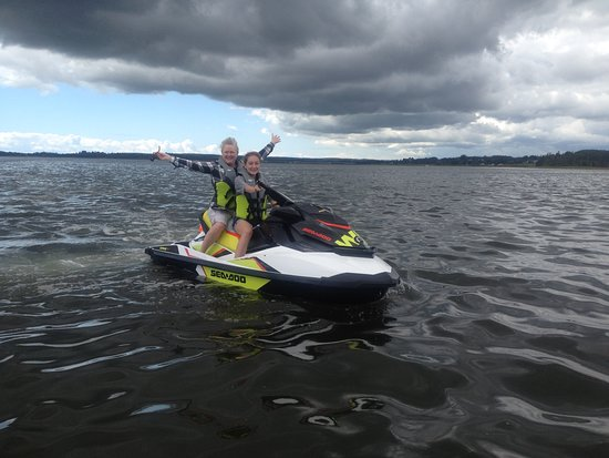 Flyboard Maritimes: Gnarly weather but they are Loving it!!!
