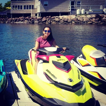 Flyboard Maritimes: Top of the line equipment and service where we aim to put a BIG SMILE on your face too!