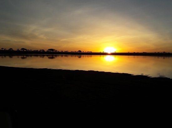 Cross to Africa Safaris: Beautiful sun raise in Serengeti National Park