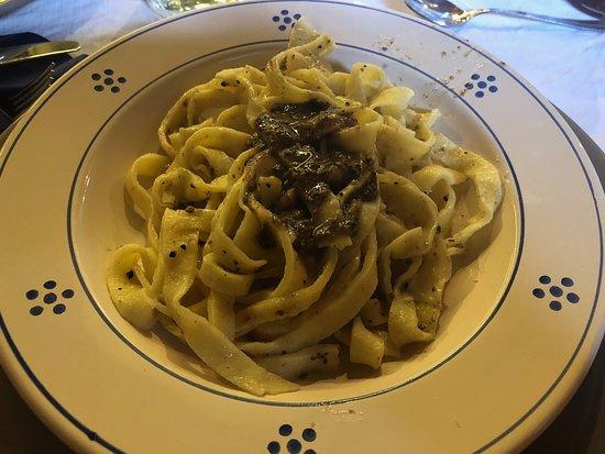 Piccione, Italy: Pettino homemade tagliatelle
