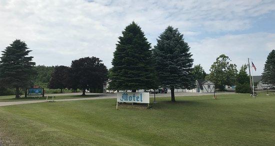 Ellsworth, MI : Motel entrance from Antrim Dells Rd