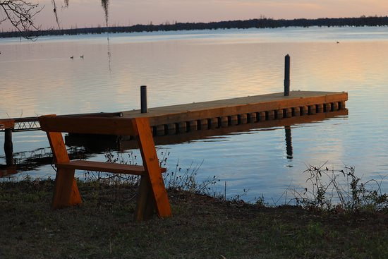 Pinewood, SC: Peaceful Evening at the boat ramp