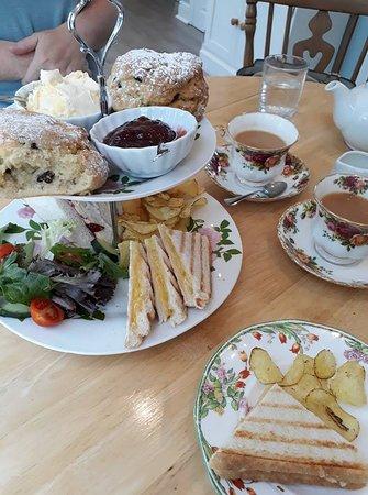 Kettle and Cake the tearoom: Afternoon tea