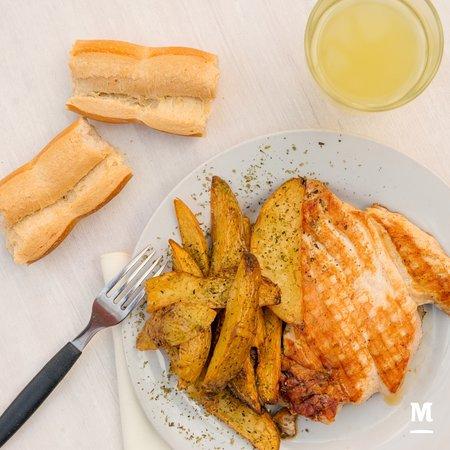 Montecatini Santa Fe: Pollo a la plancha con papas rústicas!