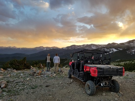 Idaho Springs, CO: Jaw Dropper Sunset View!
