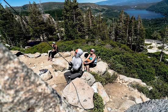 Lake Tahoe Area : Hanging out at the belay