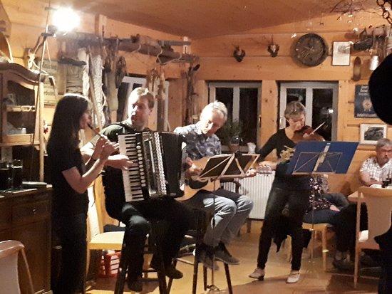 Kirnitzschtal, Duitsland: Live-Musik in der Ottendorfer Hütte