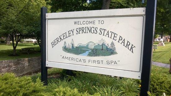 Berkeley Springs State Park Resmi
