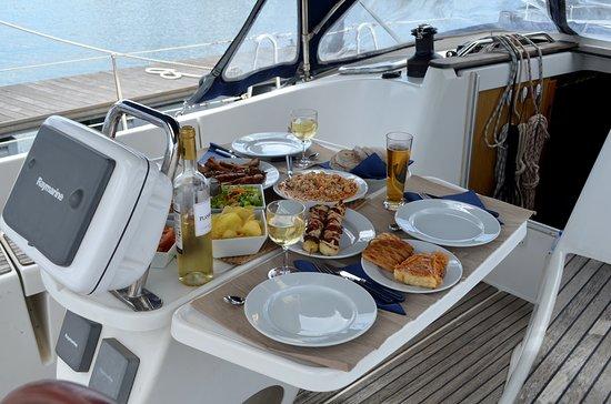 Oeiras, โปรตุเกส: dinner aboard