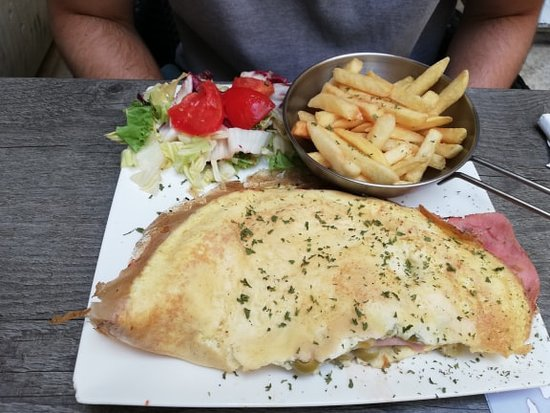 Bebirgu: Spanish omelette and fries (fries were not included)